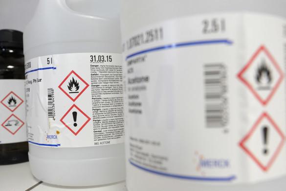 étiquette produit chimique