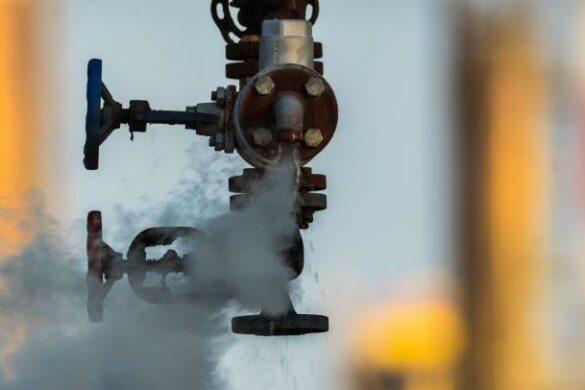 Valve d'usine échappant du gaz